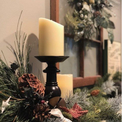 Create Stunning Christmas Mantel Decor